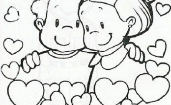 Dibujo Amistad entre bebés rodeados de corazones