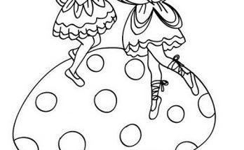 Dibujo Dos hadas volando sobre una enorme seta